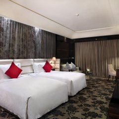 Отель Chateau Star River Guangzhou 4* Номер Делюкс с различными типами кроватей фото 2
