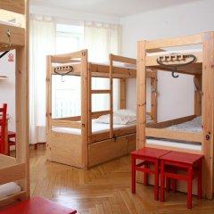 Fest Hostel Кровать в общем номере фото 7
