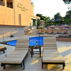 Golden Beach Hotel бассейн