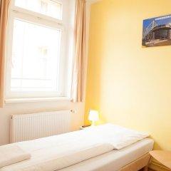Отель a&o Dresden Hauptbahnhof 2* Стандартный номер с различными типами кроватей фото 5