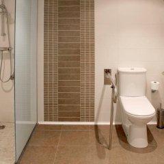 Отель Basic Confort 2 Испания, Сан-Себастьян - отзывы, цены и фото номеров - забронировать отель Basic Confort 2 онлайн ванная
