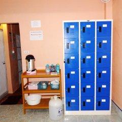 Jinda Hostel сейф в номере