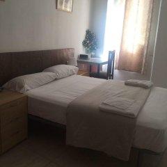 Отель Hostal Mont Thabor Улучшенный номер с различными типами кроватей фото 6