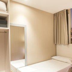 Отель Hostal Bcn Ramblas сейф в номере
