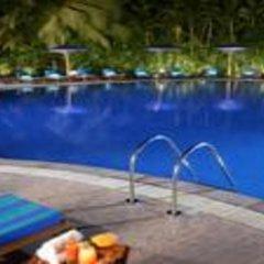 Отель The LaLiT Mumbai бассейн фото 2