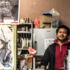 Отель Fireflies Hostel Непал, Катманду - отзывы, цены и фото номеров - забронировать отель Fireflies Hostel онлайн питание