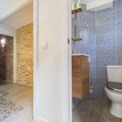 Отель Flateli Jaume Fabra Испания, Барселона - отзывы, цены и фото номеров - забронировать отель Flateli Jaume Fabra онлайн ванная фото 2