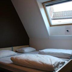 St Christophers Inn Hostel at The Bauhaus Номер с общей ванной комнатой с различными типами кроватей (общая ванная комната)