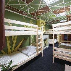 Art Hostel Contrast Кровать в мужском общем номере с двухъярусной кроватью фото 4
