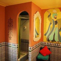 Hotel de Nesle Стандартный номер с 2 отдельными кроватями (общая ванная комната) фото 2