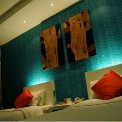 Отель The Tawana Bangkok 3* Номер Делюкс с разными типами кроватей