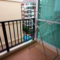 Отель Diamond Suite 2BR Apt in Thappraya Паттайя балкон