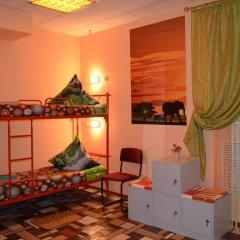 Stop-Hostel Кровать в мужском общем номере с двухъярусной кроватью