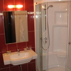 Гостиница Пионер Люкс в Саратове 8 отзывов об отеле, цены и фото номеров - забронировать гостиницу Пионер Люкс онлайн Саратов ванная