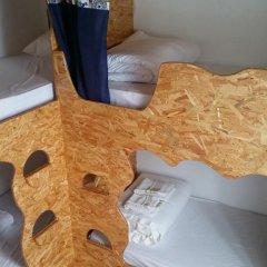 Отель Guest House Host O Morro Кровать в мужском общем номере с двухъярусными кроватями фото 3