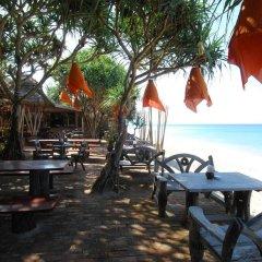 Отель Clean Beach Resort Ланта гостиничный бар