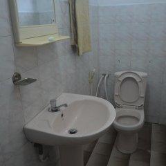 Отель Lake View The Tourist Guest House ванная фото 2