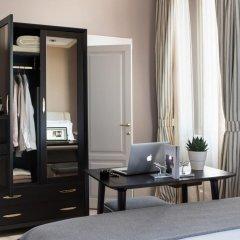 Отель Tornabuoni Suites Collection 3* Улучшенный номер с различными типами кроватей фото 3