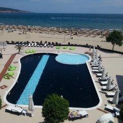 Hotel Heaven бассейн
