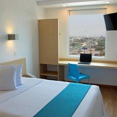 Отель One Guadalajara Expo 3* Улучшенный номер с различными типами кроватей фото 2