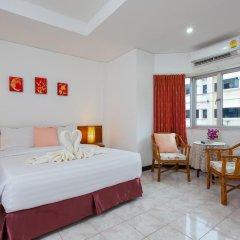 Отель Karon Sunshine Guesthouse & Bar 3* Улучшенный номер с различными типами кроватей фото 2