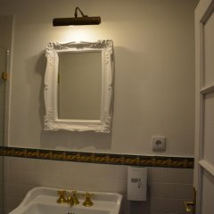 Отель Casa do Mercado Lisboa Organic B&B 4* Улучшенный номер с различными типами кроватей фото 6