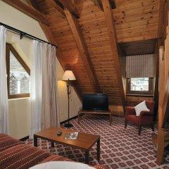 Отель Tryp Vielha Baqueira Улучшенный номер разные типы кроватей фото 8