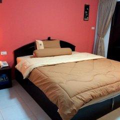 Отель Patong Bay Guesthouse 2* Улучшенный номер с различными типами кроватей фото 9