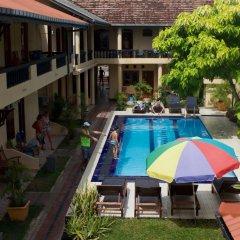 Drifters Hotel & Beach Restaurant бассейн фото 2