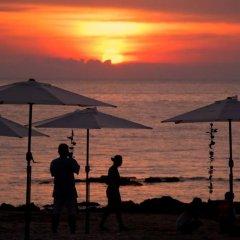 Отель La Laanta Hideaway Resort пляж