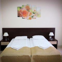 Гостиница Inn Ordzhonikidze 8а Семейный люкс с 2 отдельными кроватями фото 2