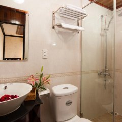 Отель Halong Bay Aloha Cruises 3* Номер Делюкс с различными типами кроватей