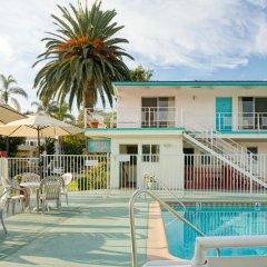 Отель Pacific Crest Hotel Santa Barbara США, Санта-Барбара - отзывы, цены и фото номеров - забронировать отель Pacific Crest Hotel Santa Barbara онлайн бассейн фото 2