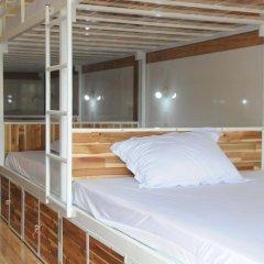 Отель Hoang Nga Guest House 2* Кровать в общем номере с двухъярусной кроватью фото 9