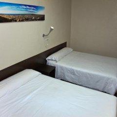 Отель Hostal Paris Стандартный номер с различными типами кроватей фото 3