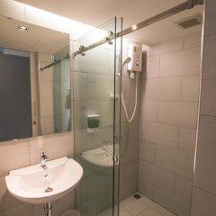 Отель Sleepbox Sukhumvit 22 Кровать в общем номере фото 6