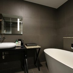 Donggyeong Hotel 3* Номер Делюкс с различными типами кроватей фото 8