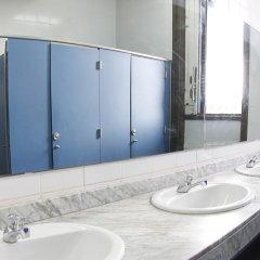 Отель Mare de Déu de Montserrat Испания, Барселона - отзывы, цены и фото номеров - забронировать отель Mare de Déu de Montserrat онлайн ванная