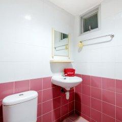 Отель ZEN Rooms Ramkhamhaeng Mansion ванная фото 2