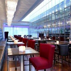 Отель Боннингтон Джумейра Лейкс Тауэрс гостиничный бар