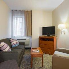 Отель Candlewood Suites NYC -Times Square комната для гостей