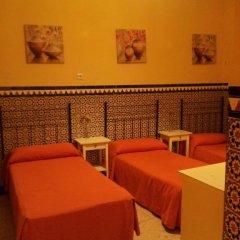 Отель Pension Catedral 2* Стандартный номер с двухъярусной кроватью (общая ванная комната) фото 6
