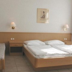 Отель Pension Fünfhaus Вена комната для гостей