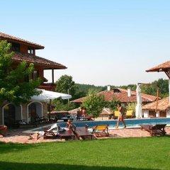 Отель Complex Izvora Болгария, Велико Тырново - отзывы, цены и фото номеров - забронировать отель Complex Izvora онлайн бассейн фото 2