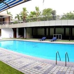 Отель Dee Marks Hotel & Resorts Индия, Нью-Дели - отзывы, цены и фото номеров - забронировать отель Dee Marks Hotel & Resorts онлайн бассейн фото 3