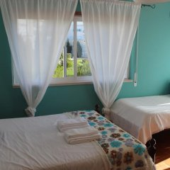 Хостел Ericeira Chill Hill Hostel & Private Rooms Стандартный номер с различными типами кроватей фото 7