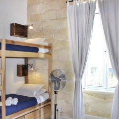 Two Pillows Boutique Hostel Кровать в общем номере с двухъярусной кроватью фото 8