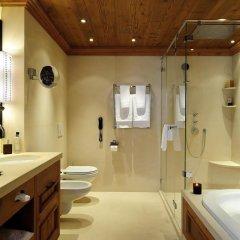 Отель The Alpina Gstaad Швейцария, Гштад - отзывы, цены и фото номеров - забронировать отель The Alpina Gstaad онлайн ванная