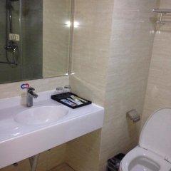 Отель Peach Blossom Island Guesthouse Xiamen Китай, Сямынь - отзывы, цены и фото номеров - забронировать отель Peach Blossom Island Guesthouse Xiamen онлайн ванная фото 2
