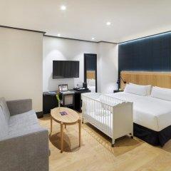 Отель H10 Puerta de Alcalá 4* Стандартный номер с двуспальной кроватью фото 2